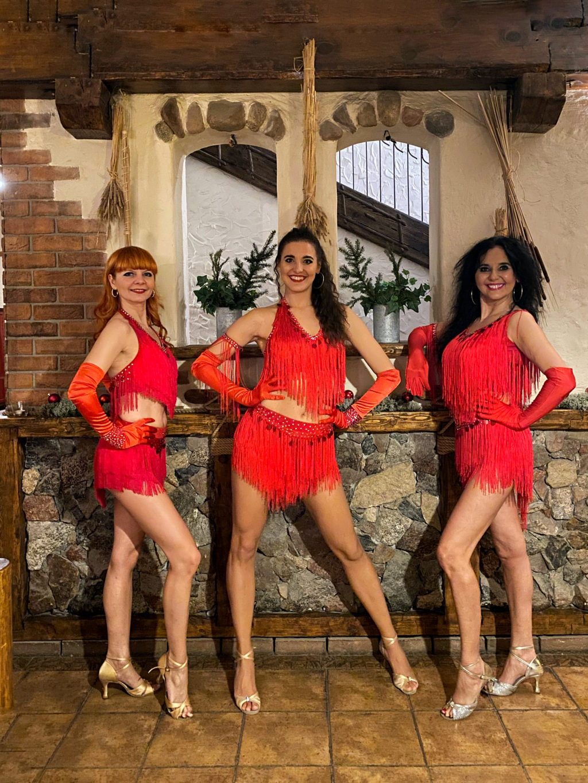 tancerki-latino-pokaz-taneczny