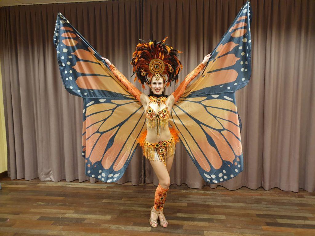 tancerka-sambabrazylijska-skrzydłaisis