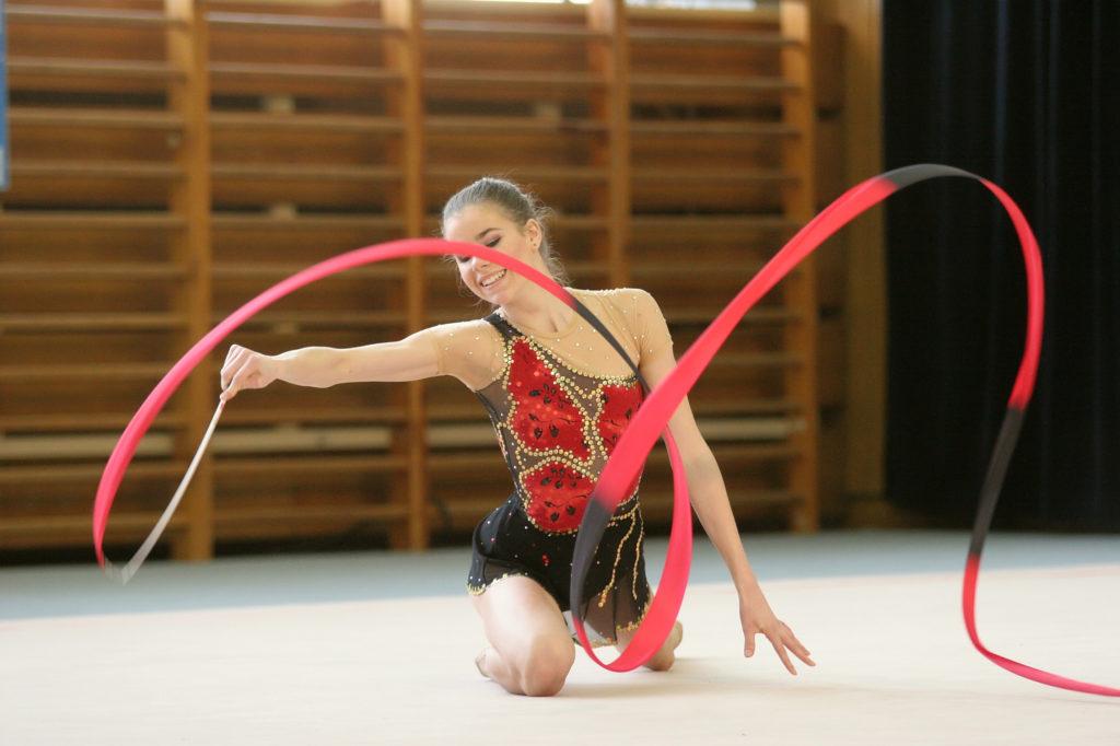 gimnastyczka-artystyczna-z-wstążką-1024x682 Warsztaty Taneczne