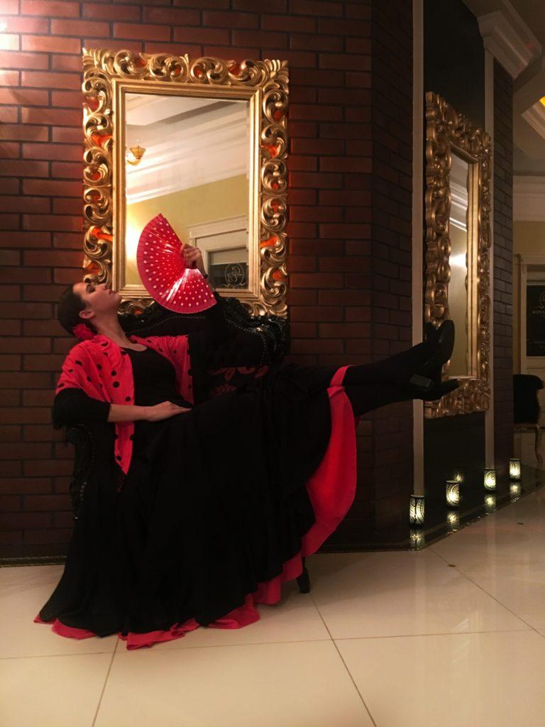 tancerka-flamenco-wachlarz-hiszpański-768x1024 Wieczory Panieńskie